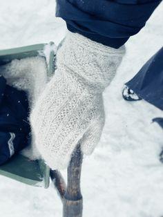 Risåsavanten - Handarbetaren Mittens, Snowman, Crochet, Outdoor Decor, Threading, Patterns, Fingerless Mitts, Crochet Crop Top, Fingerless Mittens