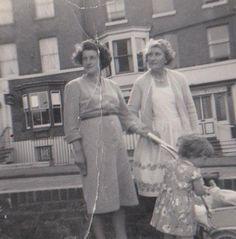 mum,nan,evelyn & me in pram 1962