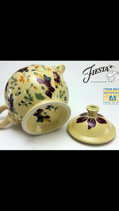 Fiesta Kitchen, Christmas Dishes, Treasure Hunting, Homer Laughlin, Teapots And Cups, Vintage Dishes, Antiquities, The Dish, Carafe