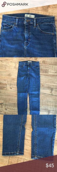 Topshop Jamie jeans Size 28 Topshop Jamie jeans. High waisted, slightly worn. Topshop Pants Skinny