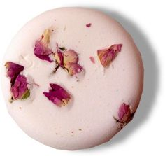 Bath bomb cake made with Rose & Ylang Ylang essential oils, weight approx. 200 gr. Each cake is 90 x 30 mm.