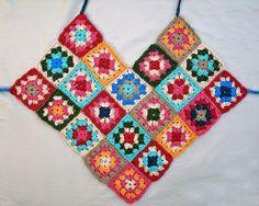 Transcendent Crochet a Solid Granny Square Ideas. Inconceivable Crochet a Solid Granny Square Ideas. Débardeurs Au Crochet, Gilet Crochet, Love Crochet, Crochet Granny, Crochet Stitches, Knitting Patterns, Crochet Patterns, Crochet Halter Tops, Crochet Squares