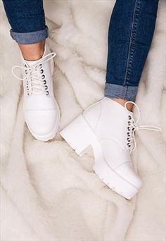 MARNI Cleated Sole Lace Up Platform Ankle Boots - White