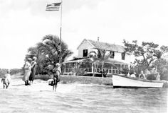 Cottage on Tarpon Bay : Sanibel Island, Florida  Date 193-  Collection Florida Photographic Collection  Image Number PR09787