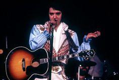 Immortale Elvis, torna al n.1 in Gran Bretagna