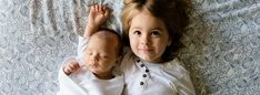 When moms are pregnant with their second baby a concern is how older siblings will react. Is the secret introducing toddler to new baby at the hospital? Second Baby, Second Child, Sibling Relationships, Distance Relationships, Relationship Tips, Hair Loss After Pregnancy, Pregnancy Advice, Pregnancy Labor, Pregnancy Announcements