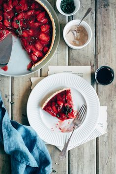 Strawberry & Thyme Tart on Behance