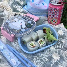 Kawaii~~ discovered by Shannaʕ Cute Snacks, Cute Food, Yummy Food, Plats Healthy, Think Food, Japanese Aesthetic, Aesthetic Food, Aesthetic Korea, Blue Aesthetic