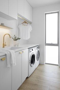 Classic Coastal Laundry — Zephyr + Stone Laundry Bathroom Combo, White Laundry Rooms, Modern Laundry Rooms, Laundry Room Storage, Laundry Room Inspiration, Laundry Room Remodel, Coastal Bathrooms, Laundry Room Design, Küchen Design