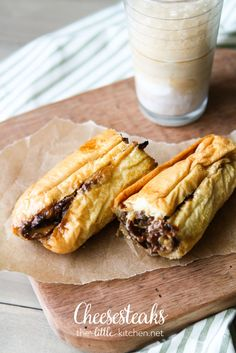 This cheesesteak recipe is one of my favorites. I'll show you step-by-step how to make cheesesteak sandwiches right at home! Beef Recipes, Cooking Recipes, Wrap Recipes, Cheesesteak Recipe, Good Food, Yummy Food, Tasty, Soup And Sandwich, Wrap Sandwiches
