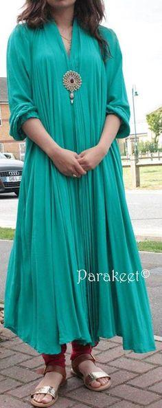 Parakeet Fall Dresses 2013 By Anjum Zehra 001 Love the color! Fall Dresses, Simple Dresses, Casual Dresses, Dresses 2013, Latest Designer Sarees, Designer Dresses, Indian Attire, Indian Wear, Pakistani Outfits