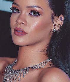Inspiring image badgalriri, details, eyes, make up, rihanna by - Resolution - Find the image to your taste Looks Rihanna, Rihanna Love, Rihanna Photos, Rihanna Style, Mode Rihanna, Rihanna Riri, Beyonce, Rihanna Makeup, Rihanna Outfits