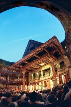 This spectacular theater is a replica of Shakespeare's open-roof, wood-and-thatch Globe Playhouse in London (built in 1599 and burned down in 1613), where most of the Bard's greatest works premiered.