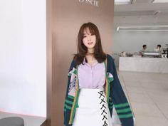 Kim Shin Yeong - March 15 2017 Set