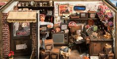 TV and Appliance Shop by Wright Guide Miniatures