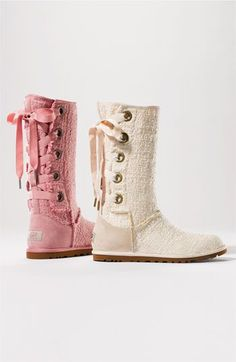 Well hello cute adorable UGG boots that will be visiting my closet very soon.