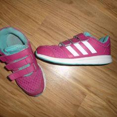 Adidas sport vel. 33 sálovky z bazaru