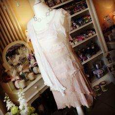 Schick im Fetzenkleid... Hingucker für die nächste Gartenparty!  #WisteriasRoom #potsdam #berlin #shoplocal #british #light #living #accessory #decoration #interiordesign #scentedcandle #gifts #instahome #fashion #towel #pillow #design #creative #shabbyhomes #vintagestyle