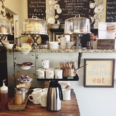 Coffee shop cafe ideas - food display and packaging кафе, кафе-бар, кофейня My Coffee Shop, Coffee Shop Design, I Love Coffee, Coffee Cafe, Cafe Design, Coffee Shops, Cafe Bistro, Cafe Bar, Bakery Cafe