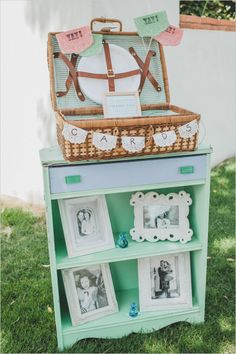 wedding card station #weddingchicks \http://www.weddingchicks.com/2013/12/20/mint-and-peach-wedding/