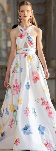 Georges Hobeika, Im So Fancy, Strapless Dress Formal, Formal Dresses, Spring Summer Fashion, Beautiful Dresses, Red Carpet, Runway, Gowns
