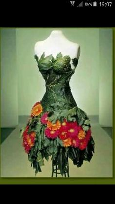 Franz Grabe Flower Couture // All I can see is poison ivy Floral Fashion, Fashion Design, Fairy Clothes, Fantasy Costumes, Fairy Costumes, Fairy Dress, Fantasy Dress, Flower Dresses, Mode Inspiration