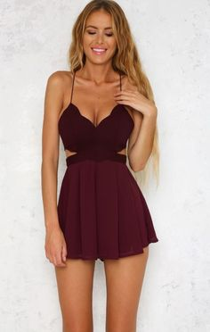 Perfect Summer Outfits To Stand Out From The Crowd Sommeroutfits Burgunder-Ausschnitt-Kleid Backless Homecoming Dresses, Hoco Dresses, Cute Dresses, Casual Dresses, Mini Dresses, Elegant Dresses, Prom, Sexy Dresses, Mini Skirts