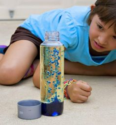 Blue lava lamp - an experiment - Diy For Kids Diy For Kids, Crafts For Kids, Family Fun Magazine, Latch Board, Blue Food Coloring, Diy Crafts To Do, Science Experiments Kids, Art Education, Kids And Parenting