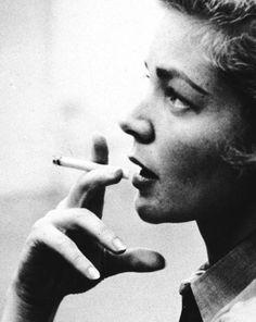 Mon secret, la poesie de ma vie  Young Lauren Bacall?