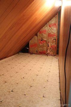Encuentra una habitación secreta detrás de una antigüa cómoda, luego entra en el interior