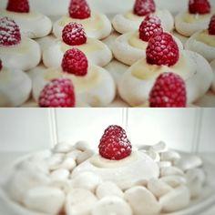 mini merenque taartjes met witte chocolade, framboos en poedersuiker