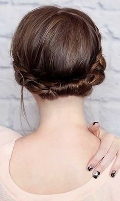 short wedding hairstyle 30