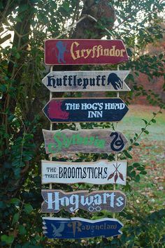 Your place to buy and sell all things handmade Halloween Signs, Halloween Crafts, Halloween Decorations, Décoration Harry Potter, Harry Potter Birthday, Directional Signs, Painted Wood Signs, Hand Painted, Luau