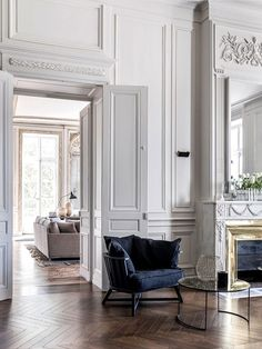 Just love looking over all the beautiful details of these classic French apartments. The parquetry floors, panelling, ornate mouldings, huge french doors and windows, fireplaces with gilt mirrors … ju