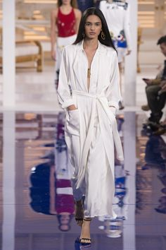 The complete Ralph Lauren Spring 2018 Ready-to-Wear fashion show now on Vogue Runway.