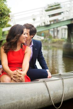 engagement photos in a canoe // chloe moore photography