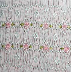 Smocking - Ivory Spring - Detail (1)