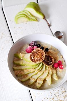 A delicious tropical combination: nads healthy kitchen | a banana-coconut and vanilla porridge