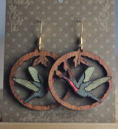 Humming Bird - Veneer Wood Inlay on Mahogany Earrings Wooden Earrings, Wooden Jewelry, Handmade Jewelry, Unique Jewelry, Red Bird Tattoos, Skeleton Tattoos, Bird Of Paradise Tattoo, Bird Nest Craft, Bird Tattoo Wrist