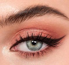 Darlings, seduce with your eyes… my Pillow Talk Luxury Eye Palette is a soft-contouring, easy-to-use, supermodel eyeshadow quad for a… Emo Makeup, Dance Makeup, Cute Makeup, Glam Makeup, Pretty Makeup, Simple Makeup, Makeup Inspo, Natural Makeup, Makeup Goals