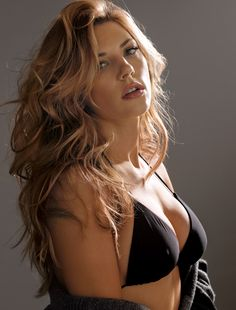 Katheryn Winnick - Vikings http://www.menshealth.com/women-of-mh/sites/default/files/winnick4.jpg