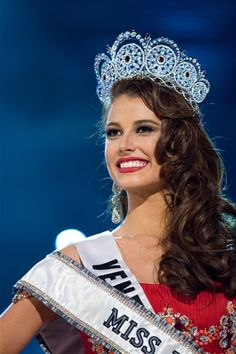 miss universe - Google Search Miss Teen Usa, Miss Usa, Stefania Fernandez, Miss Universe Crown, Miss Venezuela, Amitabha Buddha, Pageant Crowns, Beauty Express, Miss India