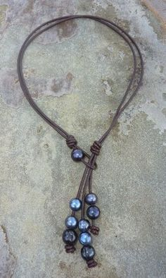 Three Strand Pearl Lariat Free design, beautiful leather jewelry, leather jewelry desings, leather jewelry ideas, cool leather jewelry with you in this photo gallery. Pearl Jewelry, Boho Jewelry, Jewelry Crafts, Beaded Jewelry, Jewelery, Jewelry Accessories, Fashion Jewelry, Jewelry Ideas, Silver Jewelry