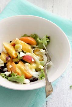 Ensalada de albaricoques con queso fresco 0%, pistachos y vinagreta francesa