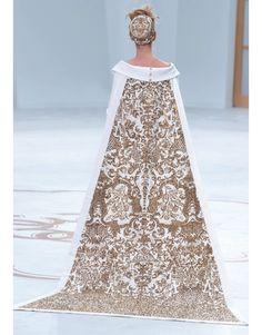 Paris Haute Couture - Chanel. #Chanel #weddingdress #hautecouture #fashionshow #fashion #look #style #wedding #bride #ideas