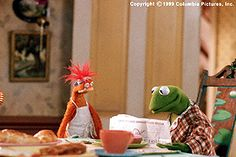 """Muppets from Space - Pepe The King Prawn and Kermit The Frog.  """"I am not a shrimp! I am a King Prawn!!""""  I love Pepe!"""