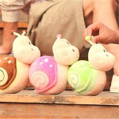 Barato O caracol pequeno boneco de pelúcia boneca casamento brinquedos, Compro Qualidade Animais de pelúcia diretamente de fornecedores da China:    O caracol pequeno boneca brinquedos de pelúcia casamento boneca       Descrição:     Características: Stuffed & P