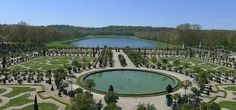 Château de Versailles gardens – a remarkable perspective with no people in the photo! - HOW WERE THERE NO PEOPLE???