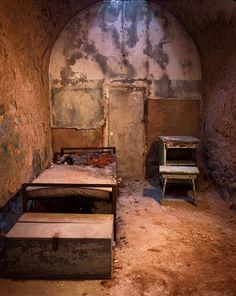 Derelict Philadelphia prison, by: Martin M. Gatti: http://photo.net/photodb/photo?photo_id=15738532