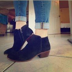 7efba7633f8c Sam edelman petty boot Sam edelman black pretty boot suede with wood heel.